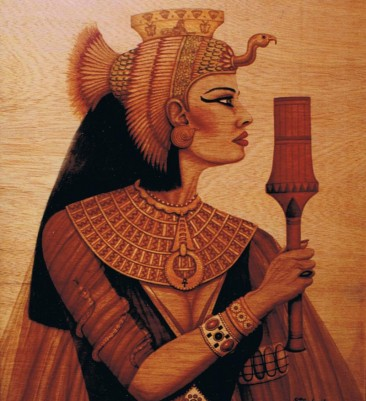 unique-staining-on-wood-egyptian-queen