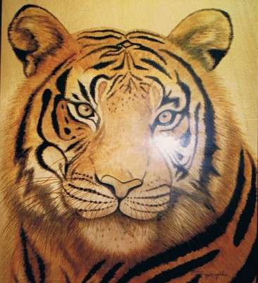 unique-staining-on-wood-tiger